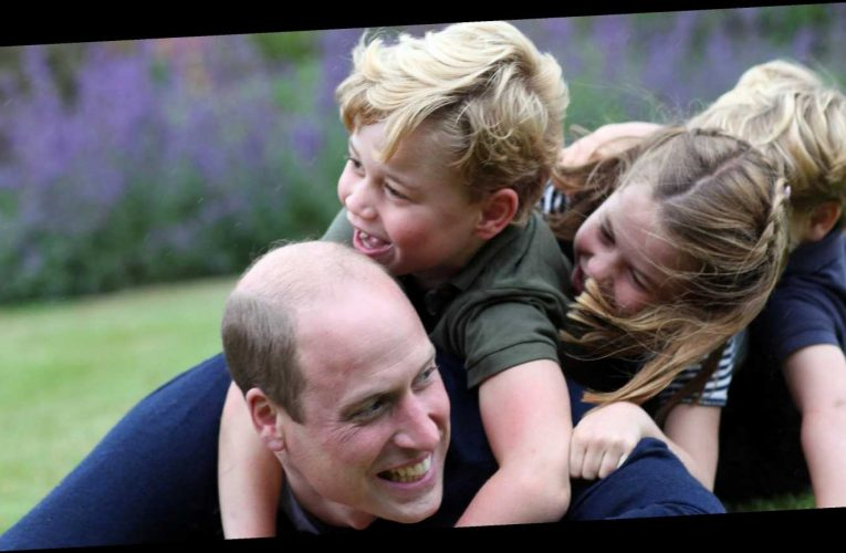 So Sweet! Prince William Snuggles With George, Charlotte and Louis: Photos