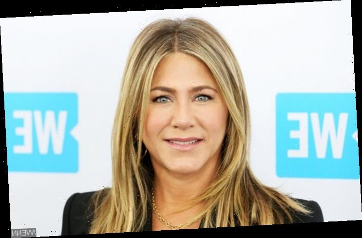 Jennifer Aniston Slams Politicization of Coronavirus Guidelines to Wear Mask in Public