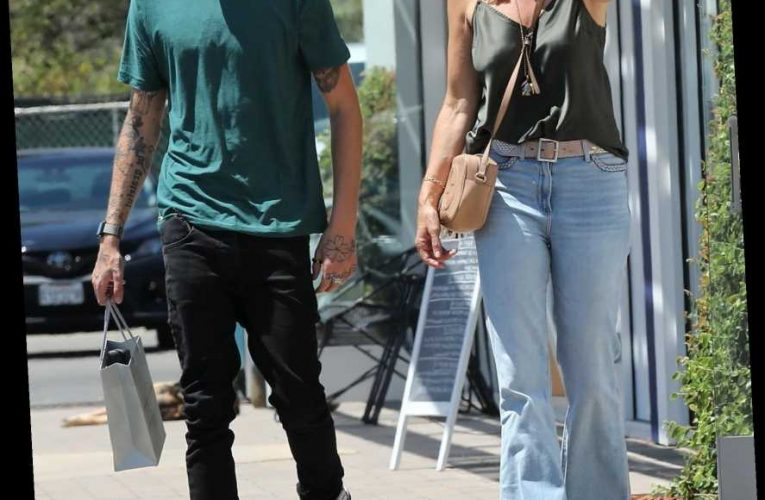 Cindy Crawford & Son Presley Shop in Malibu, Plus Zoë Kravitz, Sylvester Stallone and More