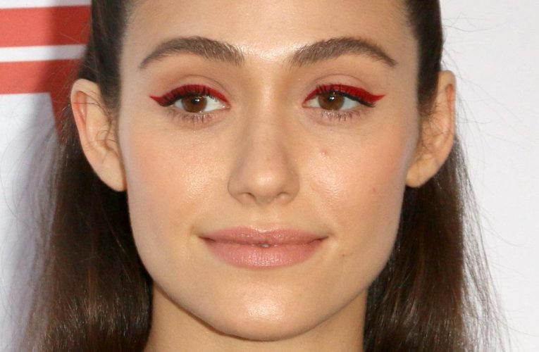 Why The Internet Is Seeing Red Over Emmy Rossum And Shameless