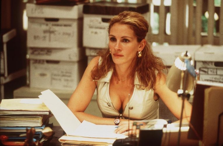 Could Julia Roberts Play as 80's Pop Star Tiffany in a Movie Someday?