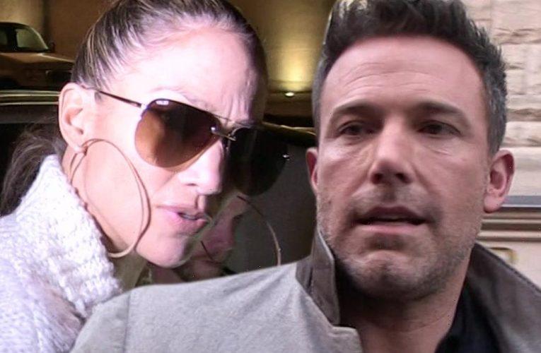 Jennifer Lopez & Ben Affleck Not Following Each Other on Instagram