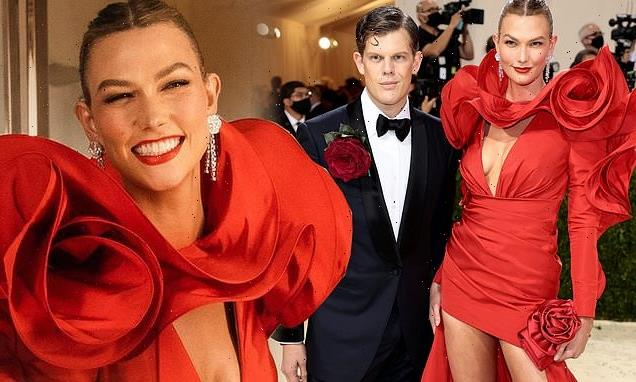 Karlie Kloss is the lady in red  at the 2021 Met Gala