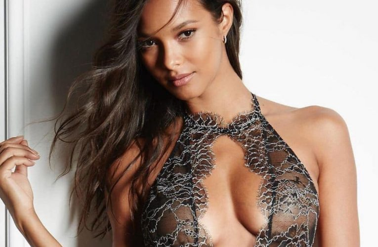Top 10 famous and sexy women, selected by using the following …