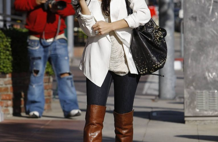 Beautiful female celebrities in boots, at least in my opinion…