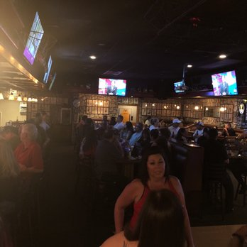 Celebrities sports grill