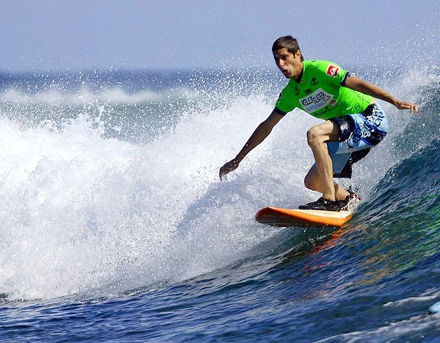 See photos through the years of celebrities on surfboards…
