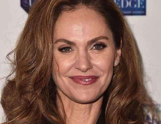 Celebrities with bells palsy