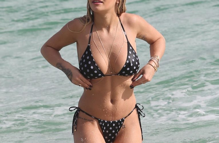 Hot celebrities bodies